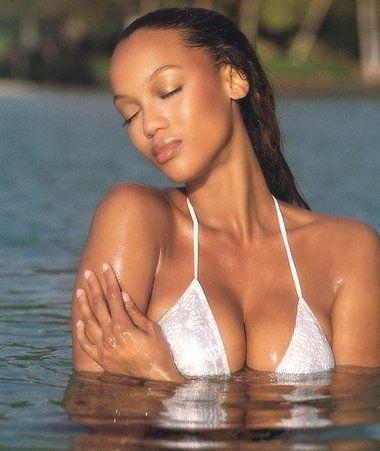 Tyra Banks - 49